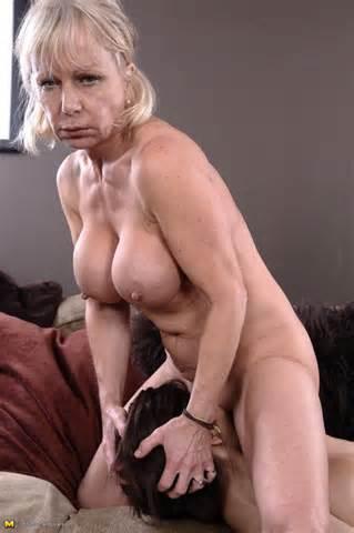 Ancienne catégorie jeunes plus âgés et plus jeunes lesbiennes Mature nue photos porno