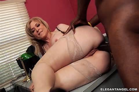 Nina Hartley Dvd porno photo de Elegant Angel 11