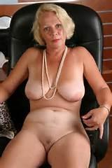 Porno Granny Widdow aime donner Anilingus