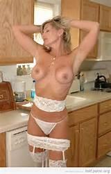 Porno avec les plus chaudes mères baisable chaude MILFs présenté par Stiflers